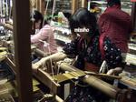 機織り体験1.jpg